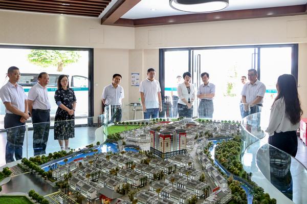 中国中药协会中药材市场专业委员会主任周雷考察普宁康美中药城